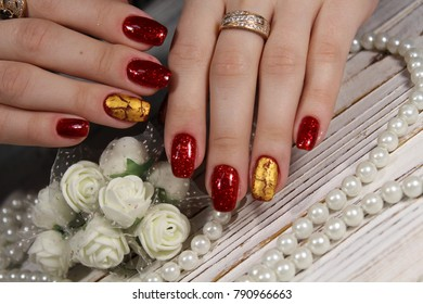 Fashionable design of manicure on beautiful pens