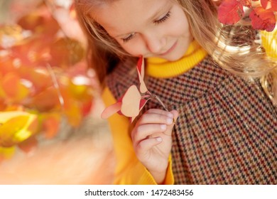 Fashionable girl child in the fall.