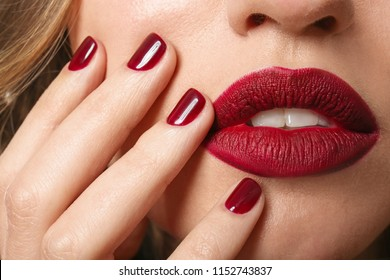 Fashionable young woman with beautiful manicure, closeup