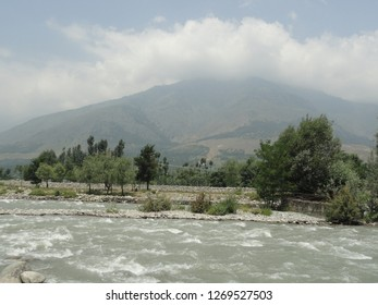 fast flowing river Sindhu in Kashmir, India