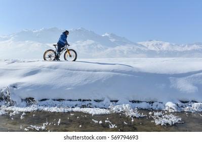 fat bike riding Cycling