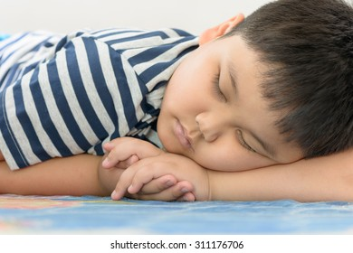 fat boy sweet dream on his arm