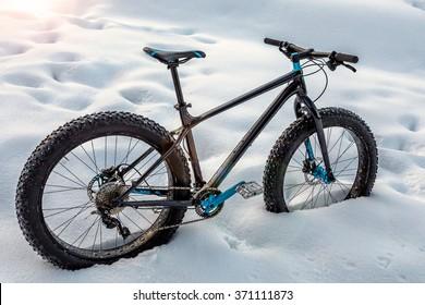 Fat-bike in the snow