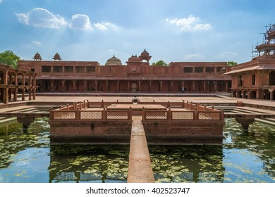 Fatehpur Sikri in Agra built by emperor Akbar from the Mughal empire is one of the best collections of Mughal architecture