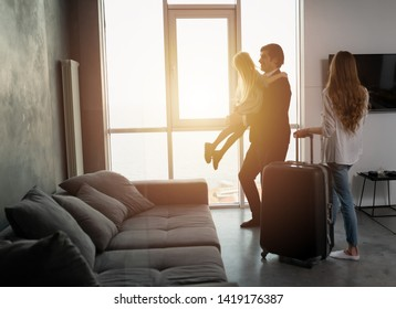Father comes back to home from a travel