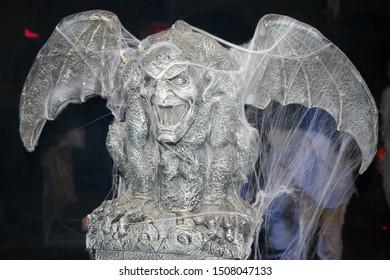 The fearsome infernal gargoyle: mythology and architecture