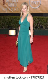 Feb 06, 2005: Los Angeles, CA: JENNIE GARTH at the 11th Annual Screen Actors Guild Awards at the Shrine Auditorium.