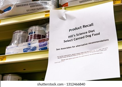 February 13, 2019 Sunnyvale / CA / USA - Hill's Science Diet Select Canned Dog Food Product Recall sign displayed in Pet Store