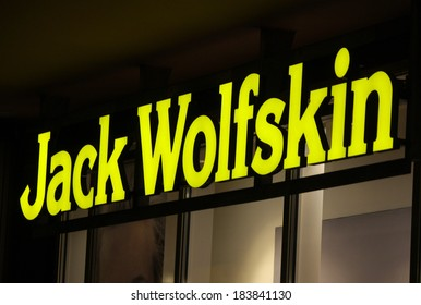 low priced 0751f 54f4f Jack Wolfskin Images, Stock Photos & Vectors | Shutterstock
