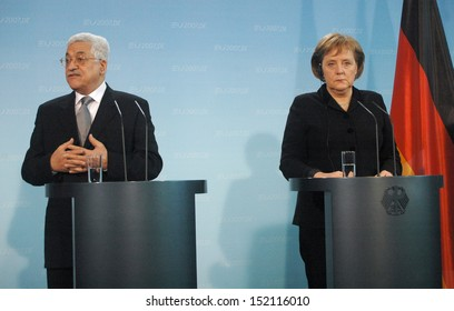 FEBRUARY 23, 2007 - BERLIN: German Chancellor Angela Merkel and the President of the Palestinian National Authority Mahmud Abbas (Fathah) during a meeting in the German Chanclery, Berlin.