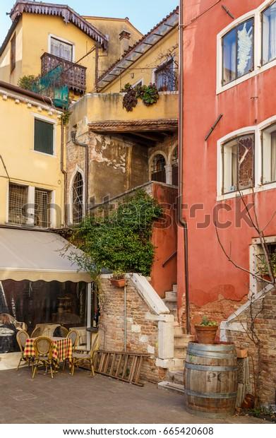 February 25, 2017. cozy patio courtyard in Venice.