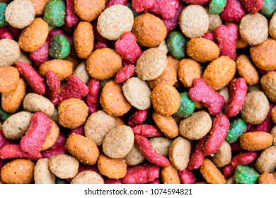 feed dog, texture and colors