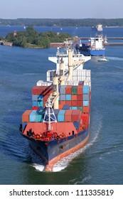 feeder vessel