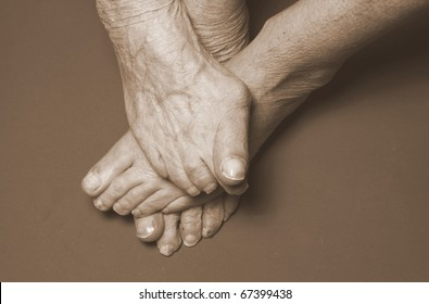 feet of older women