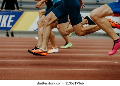 feet runners sprinters men run 100 metres in athletics