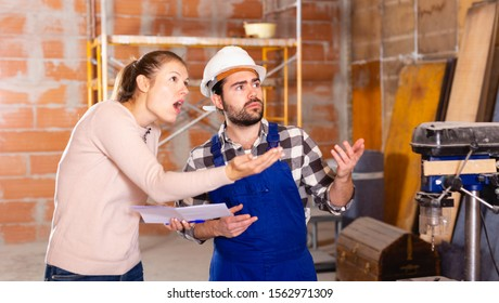 Female architect dissatisfied with the work of the builder