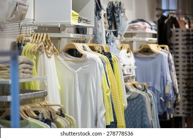 female casual clothes  for sale in boutique