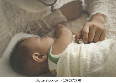 Baby Heart Rate Images, Stock Photos & Vectors | Shutterstock
