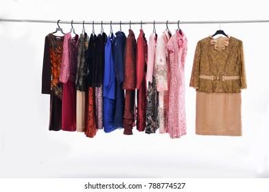 Vectores Colgados Stock ImágenesFotos De Vestidos Y Sobre Nmv8wn0