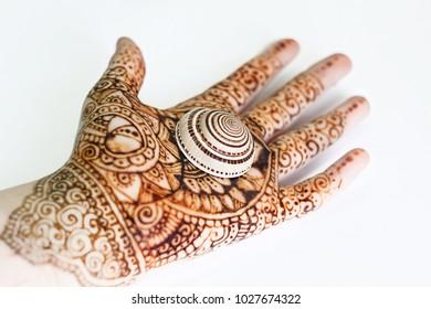 Mehndi Patterns Vector : Mehendi hands images stock photos vectors shutterstock