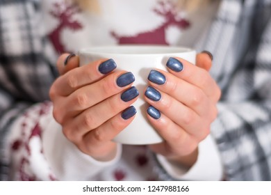 female-hands-navy-blue-manicure-260nw-12