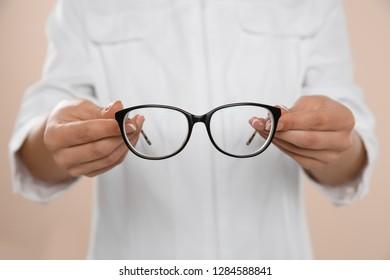 eeea3b604e4 Doctor Optician Glasses Optometrist Optical Store Stock Photo (Edit ...