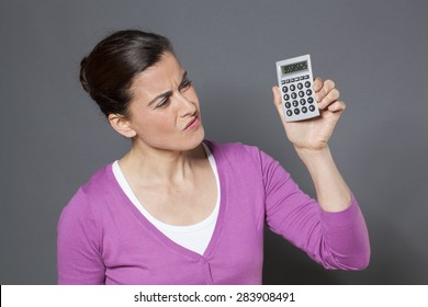 female professionnal disappointed by bad return on investment