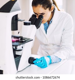 Female scientist, woman in the lab