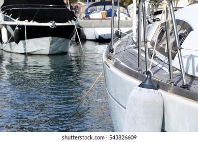fenders mooring yacht