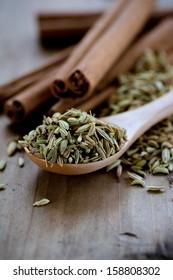 Fennel seeds and cinnamon