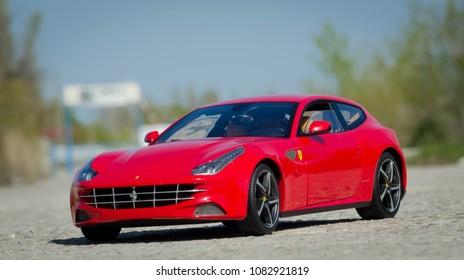 Ferrari FF 1:18 Hotwheels Elite model car