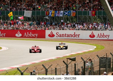 Ferrari and Renault cars racing at the British F1 Grand Prix, Silverstone, 2007