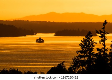 Ferry connects thte islands of South Puget Sound in Washington State.