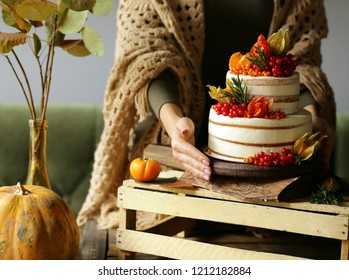 festive cake with autumn decor for thanksgiving day