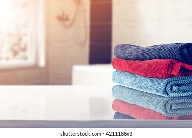 few towel and gray top
