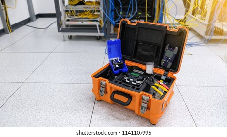 Fiber optic cable tool for welding optical fiber cable with fusion splicing fiber optic in network server room