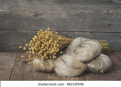 The fibers of flax for the production of linen fabric
