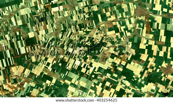 Campos del satélite Landsat. Elementos de esta imagen amueblada por la NASA.