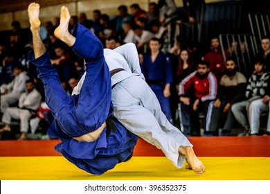 fighter judo throw for IPPON in competition judo