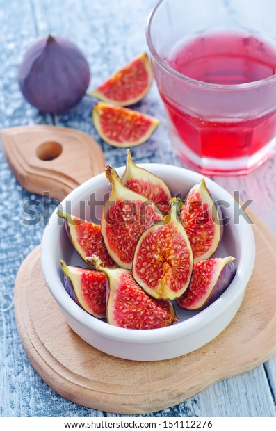 figs and juice