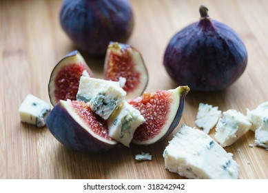 Figs with Roquefort cheese