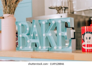 Figure Bake the decor