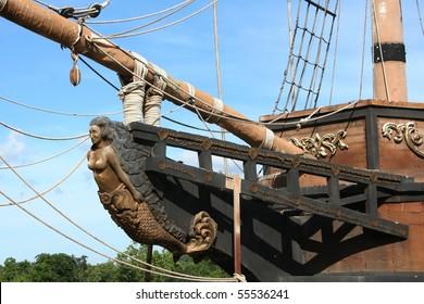 figurehead on sailing ship