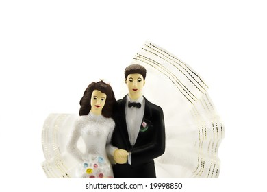 Figures of a newly-married couple