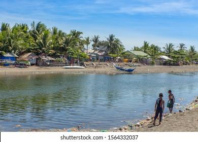 Filipino children playing in the river - San Jose Mindoro Philipinnes 15.11.2019