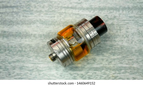 Filled electronic cigarette atomizer for vaping.