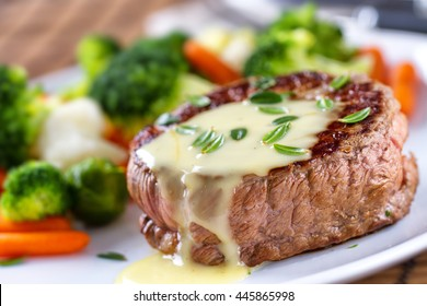 Fillet of beef with bernaise sauce.