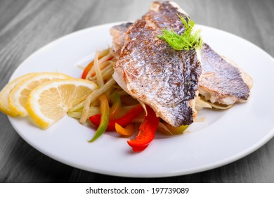 Fillet of sea bream with fennel and pepper
