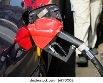 Filling gasoline in to the car