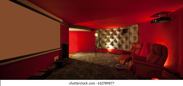 Film private house, red